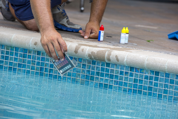 Hydrochloric acid is very effective at removing algae from pools